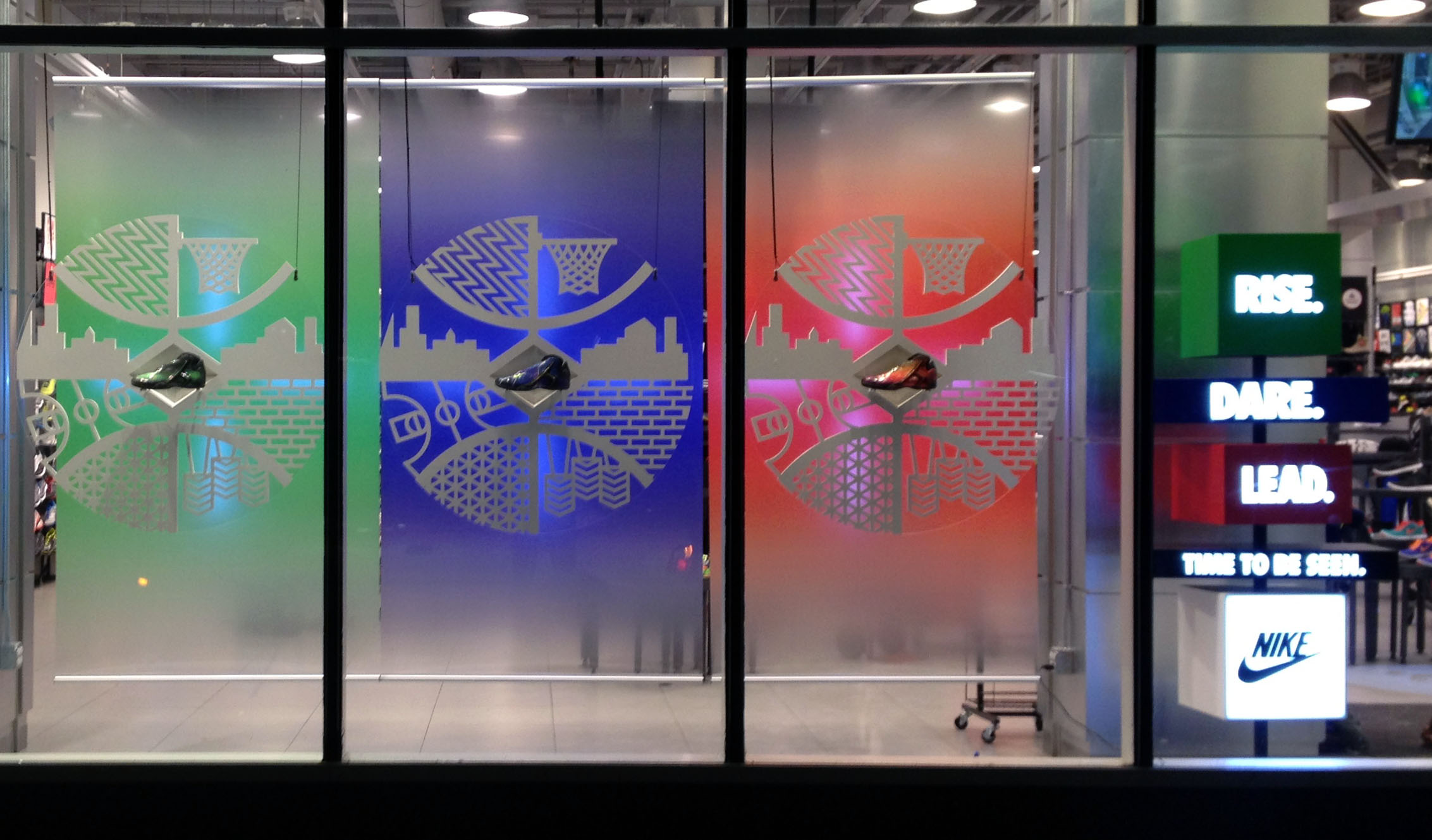 Nike Window Display Daedalus Design And Production Inc